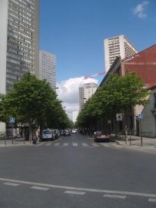 800px-Paris_13e_-_avenue_d'Ivry_-_vue_nord_1